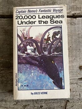 20000 Leagues Under the Sea Paperback Book by Jules Verne C1971 #7LZvWk497Dc