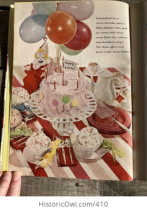 Better Homes and Gardens Holiday Cook Book C1967 - #2f3kZ0E3mNI-4