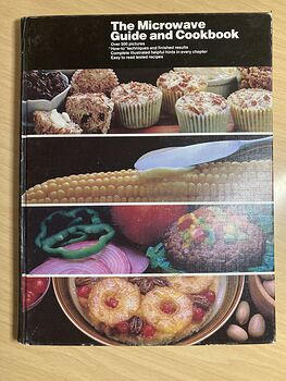 The Microwave Guide and Cookbook over 500 Pictures with Easy to Read Tested Recipes #FSsm6Cc7Vcs