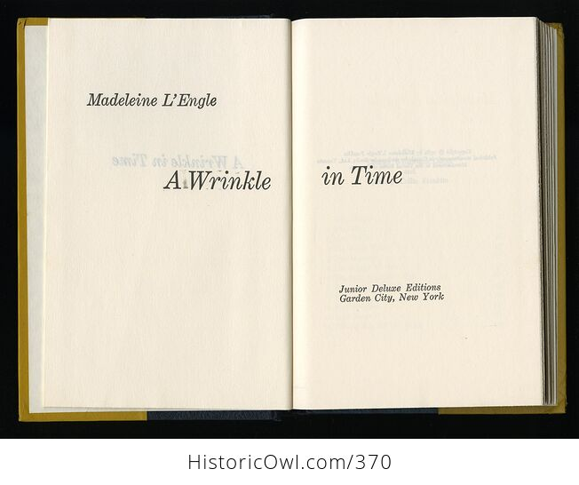 Vintage a Wrinkle in Time Book by Madeleine Lengle Junior Deluxe Exitions 1962 - #FlEKA3jzgV0-3